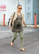 Алисса Милано, фото 2638. Alyssa Milano in Studio City Very Preggers but Hot 4/18/11 / Untagged, foto 2638,