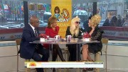 Cyndi Lauper---the hot singer Babe�sexy legs�Talk--nbc--2010