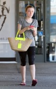 Dakota Fanning / Michael Sheen - Imagenes/Videos de Paparazzi / Estudio/ Eventos etc. - Página 4 14fe7c147044908