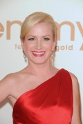 Анджела Кинси, фото 57. Angela Kinsey - 63rd Annual Primetime Emmy Awards - Sept 18, 2011, foto 57