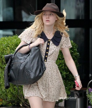 Dakota Fanning - 8 HQ pics out in NY in Indy hat 22 september 2011