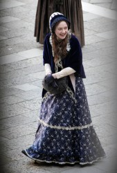 Dakota Fanning @ Venice, Italy on the set of Effie (11-30-2011). Updated