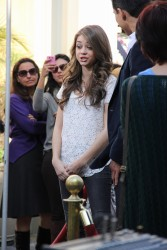 Сара Хайланд, фото 595. Sarah Hyland Extra at The Grove in LA - 02.02.2012, foto 595