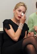 Шэрон Стоун, фото 1631. Sharon StoneDamiani Event in Milano, 16.02.2012, foto 1631
