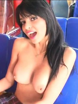 Carolina linda luchy