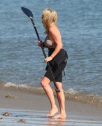 Рэйчел Хантер, фото 427. Rachel Hunter at a Malibu beach - 04/03/12, foto 427
