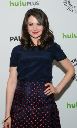 Элисон Бри, фото 600. Alison Brie PaleyFest presentation of 'Community' at Saban Theatre on March 3, 2012 in Beverly Hills, California, foto 600