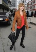 Клменс Пози, фото 163. Clmence Posy Balenciaga Collection Show in Paris - 01.03.2012, foto 163