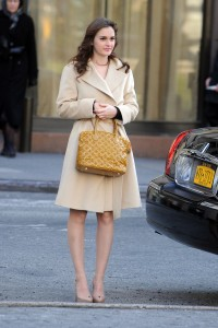 Лейгтон Мистер, фото 6872. Leighton Meester On the Set of 'Gossip Girl' in Manhattan - 05.03.2012, foto 6872