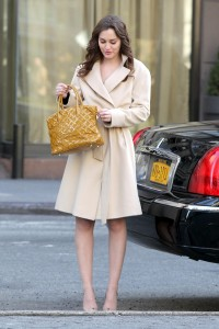 Лейгтон Мистер, фото 6870. Leighton Meester On the Set of 'Gossip Girl' in Manhattan - 05.03.2012, foto 6870