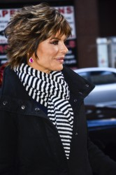 Лиза Ринна, фото 857. Lisa Rinna - 'Today' show in NYC (March 6), foto 857