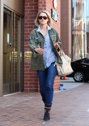Али Лартер, фото 2626. Ali Larter - O&A shopping in Beverly Hills - (03/07/12), foto 2626