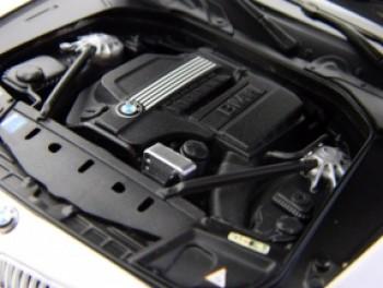 Rolls Royce Ghost LIMOUSINE BLU 1//43 Whitebox modello auto con o senza indiv...