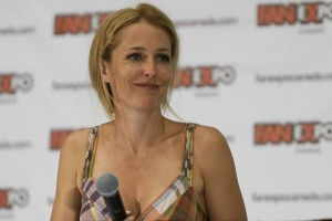 Gillian Anderson - 18th Annual Fan Expo Canada in Toronto 26/08/2012