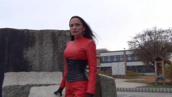 Fetish Diva Nadja - Walking
